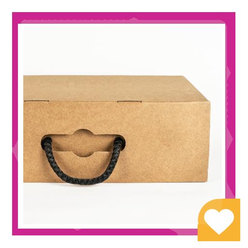 جعبه چوبی قهوه ای کفش