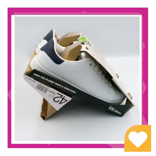 طراحی خلاقانه مثلثی کفش سفید